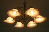 ブラフ18番館の電燈