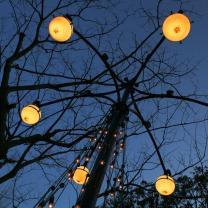 山手十番館の庭灯